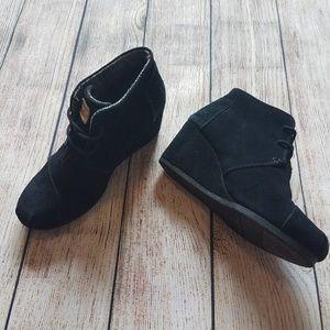 Toms Black Wedge Ankle Bootie K